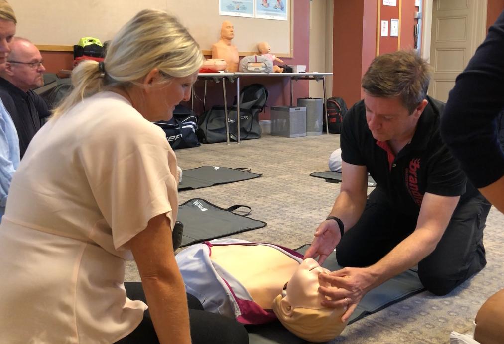 huvudinstruktör hjärt-lungräddning Första hjälpen